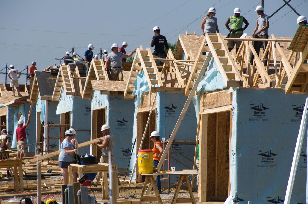 Community service lyke house the catholic center at auc for Construction habitat
