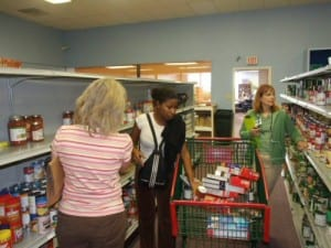 food-pantry-hosts-and-shopper